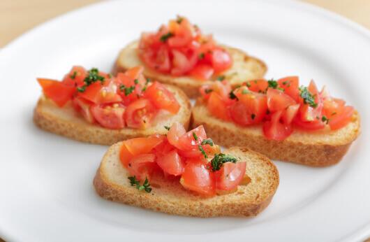トマトとバルサミコのブルスケッタ